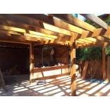 Construção de Pergolado em Madeira Cotia